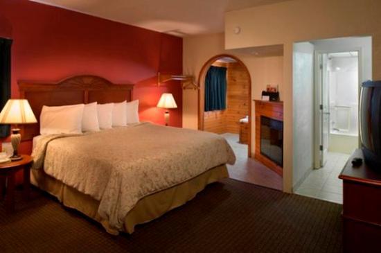 Island Drive Lodge: Jacuzzi Suite