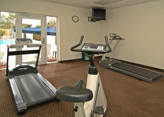 Econo Lodge Airport at Raymond James Stadium: Fitness