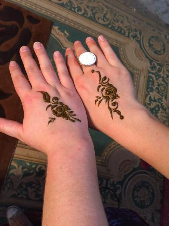 Henna tattoos picture of funtours desert safari dubai for Henna tattoos locations