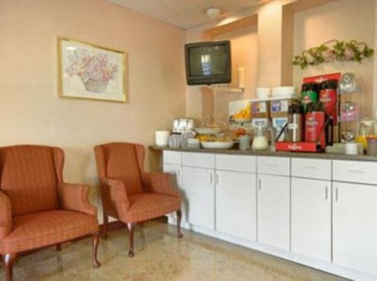 Americas Best Value Inn - Bristol / Levittown / Philadelphia : Breakfast Area