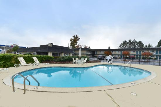 Americas Best Value Inn- Ukiah: Pool