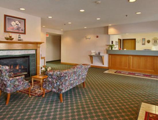 Knights Inn Urbana Champaign: Lobby