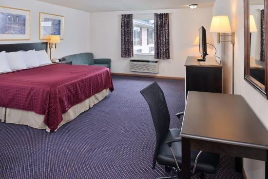 Americas Best Value Inn- Knob Noster: One King Bed Guest Room