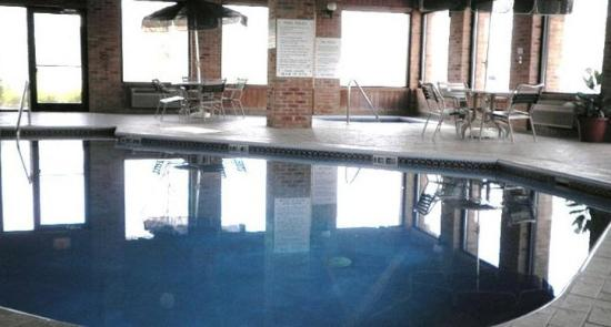 Kenton, OH: Pool