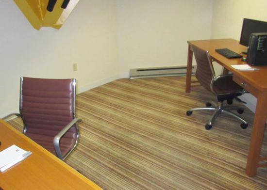 Red Lion Inn & Suites- Chambersburg: Business