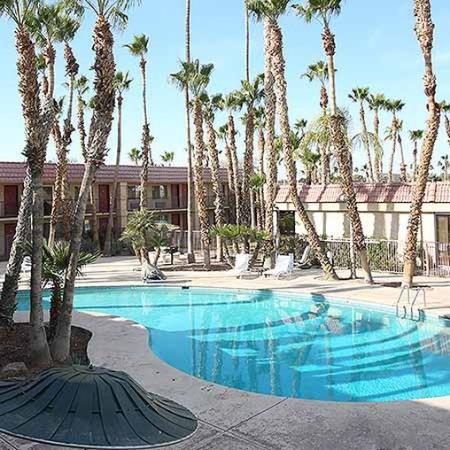 Yuma Airport Inn: pool