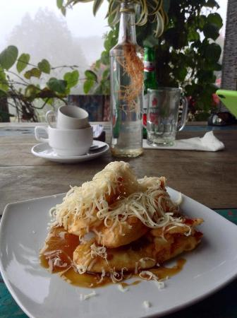 Banana Fritters With Cheese Picture Of The View Restaurant By Plataran Munduk Tripadvisor