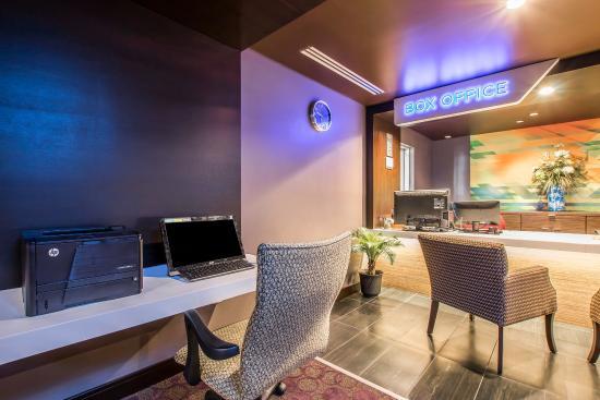 Tilt Hotel Universal / Hollywood, an Ascend Hotel Collection Member : Business Center
