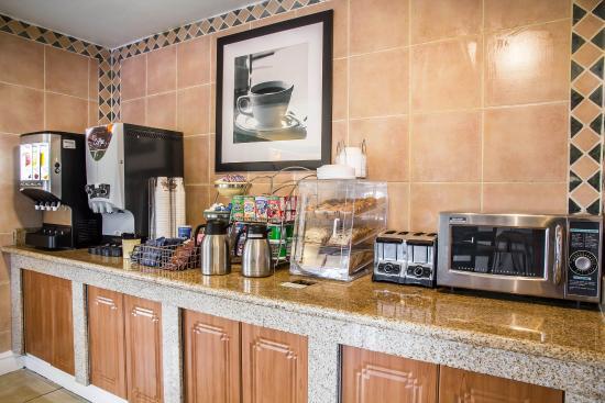 Rodeway Inn: COBKFAST