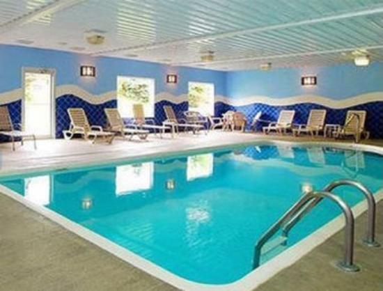 Baymont Inn & Suites Noblesville: Pool