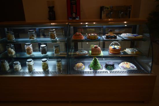 Hotel Kiranshree Portico: Delicious unique cakes