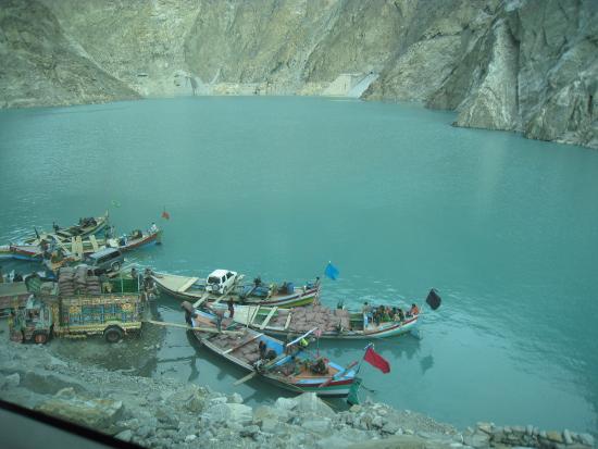 Hunza Valley : Attabad Lake