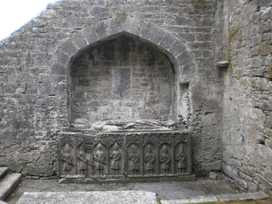 County Roscommon, Ιρλανδία: The O Conor Tomb, Roscommon Abbey.