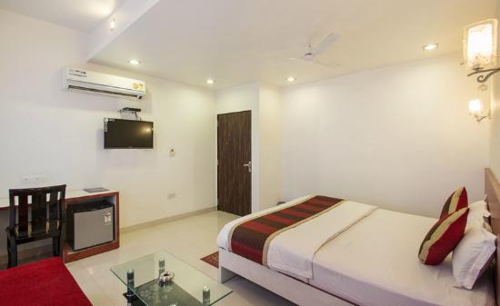 Room Picture Of Oyo Premium Sindhi Camp Bus Stand Jaipur