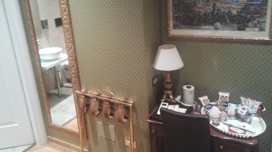 Trevi Luxury Rooms: Habitación 2