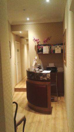 Trevi Luxury Rooms: Recepción