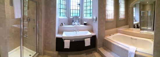 Rhinefield House Hotel: Monro suite bathroom