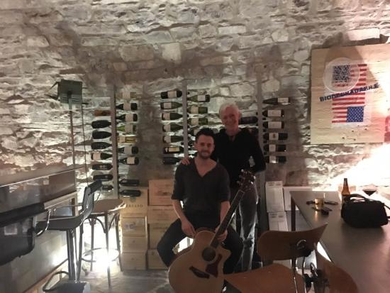 Tornoalago: Andy and Chris in the wine cave
