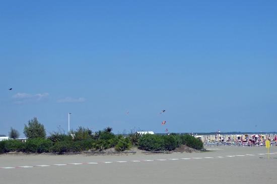 Hotel Helen : Strand, ein paar Min. vom Hotel entfernt