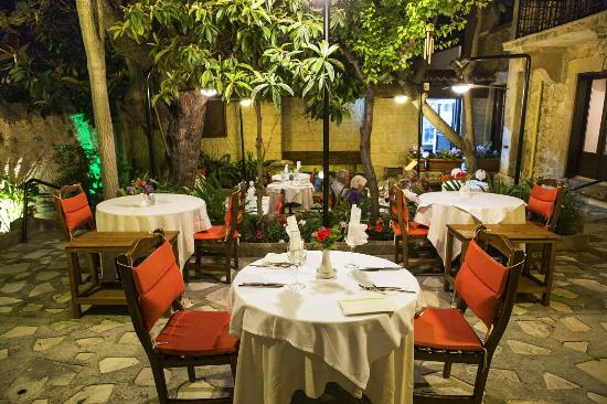 Kyrenia Palace Jakaranda Restaurant