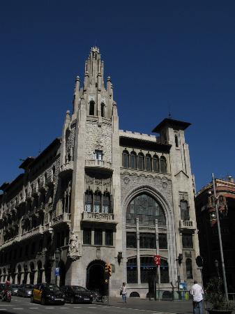 Edifici de la Caixa de Pensions