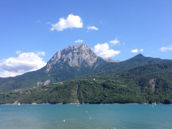 Lac Serre Poncon : Lac de serre poncon hautes alpes embrun stockfoto bild