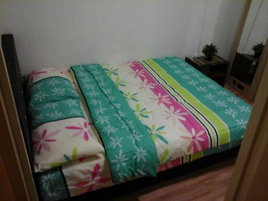 New Society Backpackers' Hotel : pte room
