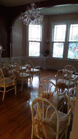 Magnolia House Inn: The Wedding Chapel