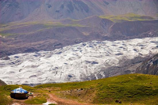 Osh Province, Kyrgyzstan: Пик Ленина (7134 м)