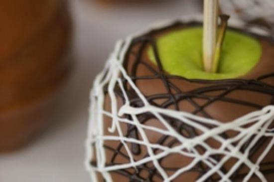 Elmsdale, Canada: Caramel Apple dipped in Chocolate