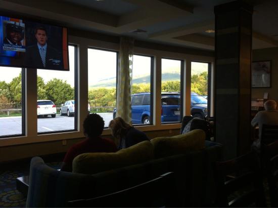 Holiday Inn Express Hotel & Suites Salem: photo7.jpg
