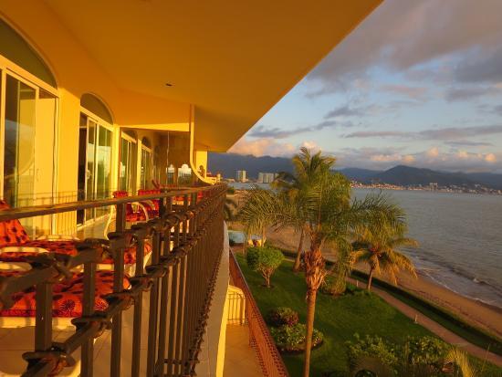 Bay View Grand: Balcony View Toward Vallarta