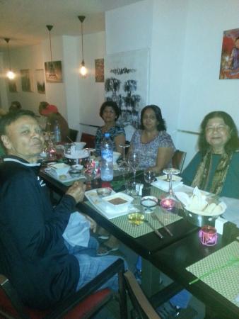 Le Privé Restaurant: convivialité et repas pour nos hotes