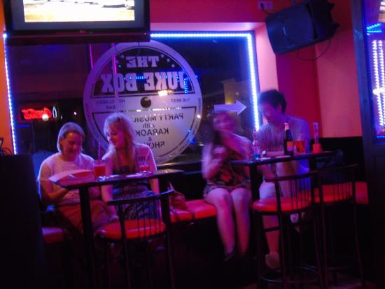 Juke Box Bar: The Juke Box - girls night out