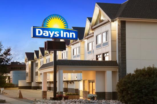 Days Inn Calgary Northwest: Welcome to Days Inn - Calgary Northwest