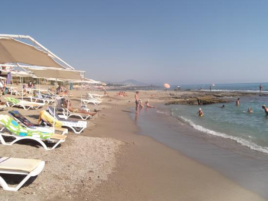 Saritas Hotel : hotel beach