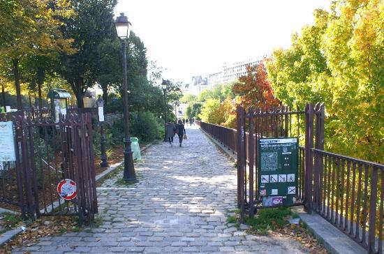 Le port et vue sur la bastille photo de port de l for Le jardin hivernal du off paris seine