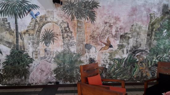 Kresba Na Stene V Bare Picture Of Hotel Mermaid Club Kalutara