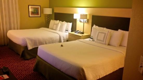 TownePlace Suites Dallas Lewisville: Two queen beds
