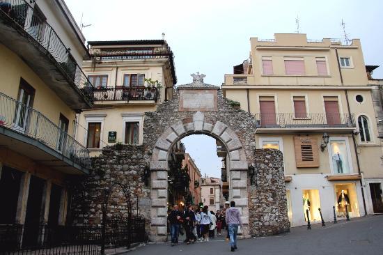 Porta Messina