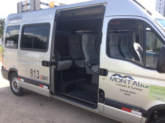 a1f0d27c3a3e5 Montaltur Locacao de Vans e Turismo  Van executiva Master Renault 2014 2015  15 passageiros