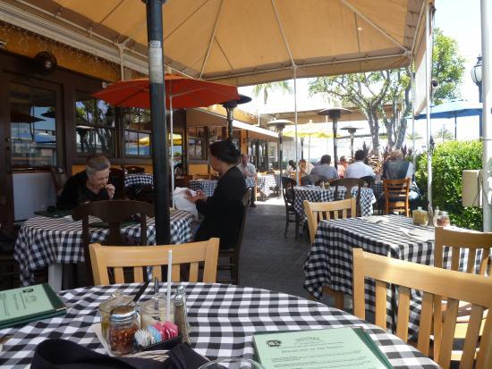 Sabatino's : comfortable outdoor dining