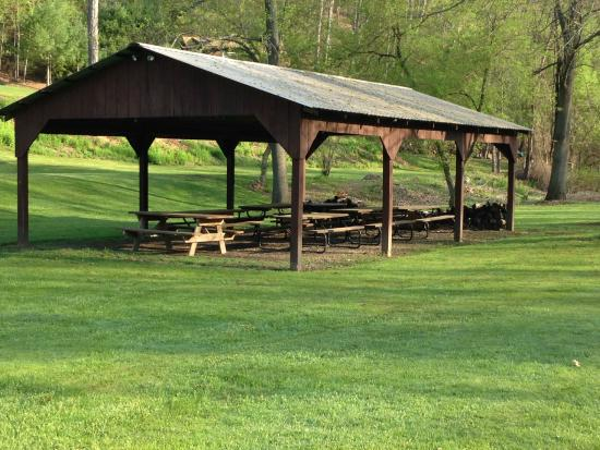 Gaines, PA: Pavilion for use of Rough Cut Lodge guests... great for meetings, reunions, weddings or friends