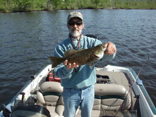 Umbagog lake bass fishing picture of umbagog guide for Bass fishing nh