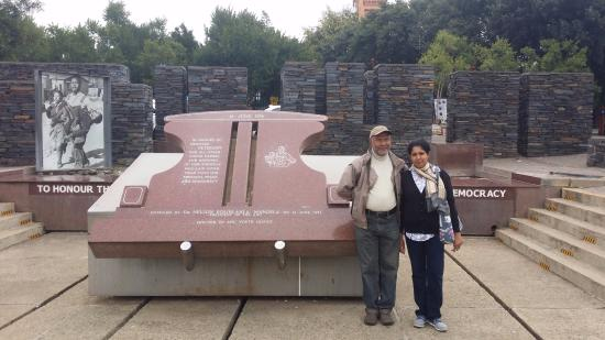 Hector Pieterson Museum: At the memorial