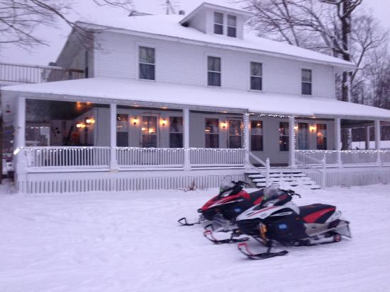 Curtis, MI: Chamberlin's Ole Forest Inn