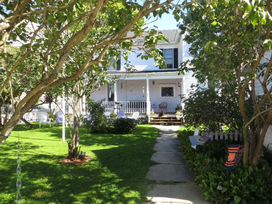 Lilac House Bed And Breakfast Mackinac Island Mi