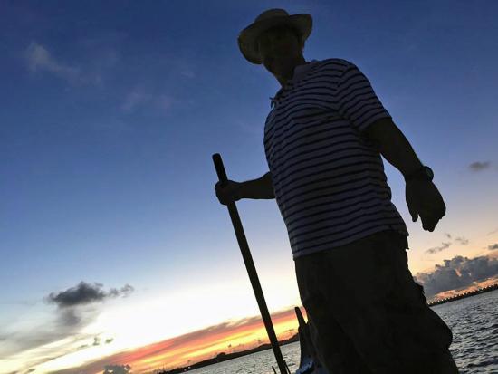 bahía de Simpson, St. Maarten: Gondoliere in action on St.Maarten's Tropical Venice Gondola