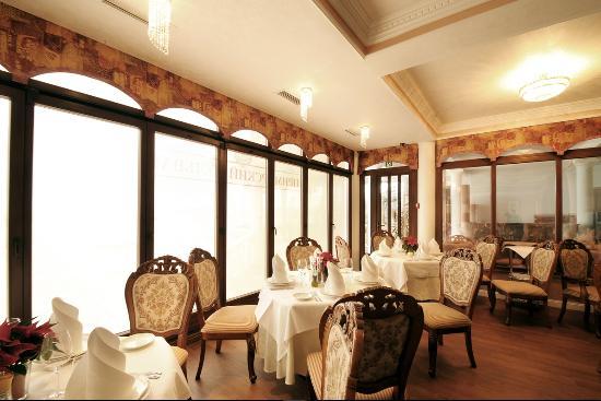 Primorskiy Boulevard Restaurant