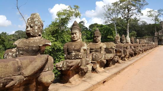 Angkor Tour Services: Angkor